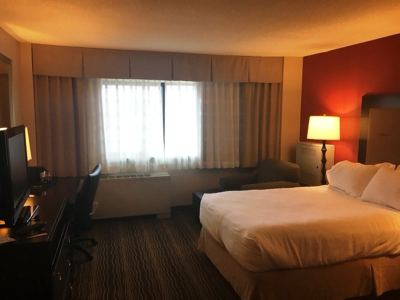 Holiday Inn Syracuse - Liverpool - Exit 37-Guest Room<br/>Image from Leonardo