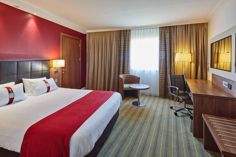 Holiday Inn Paris - Marne La Vallee-Adjoining Room<br/>Image from Leonardo