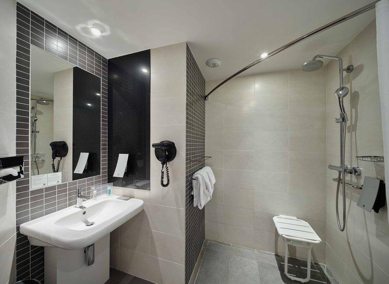 Holiday Inn Paris - Marne La Vallee-Wheelchair Accessible<br/>Image from Leonardo