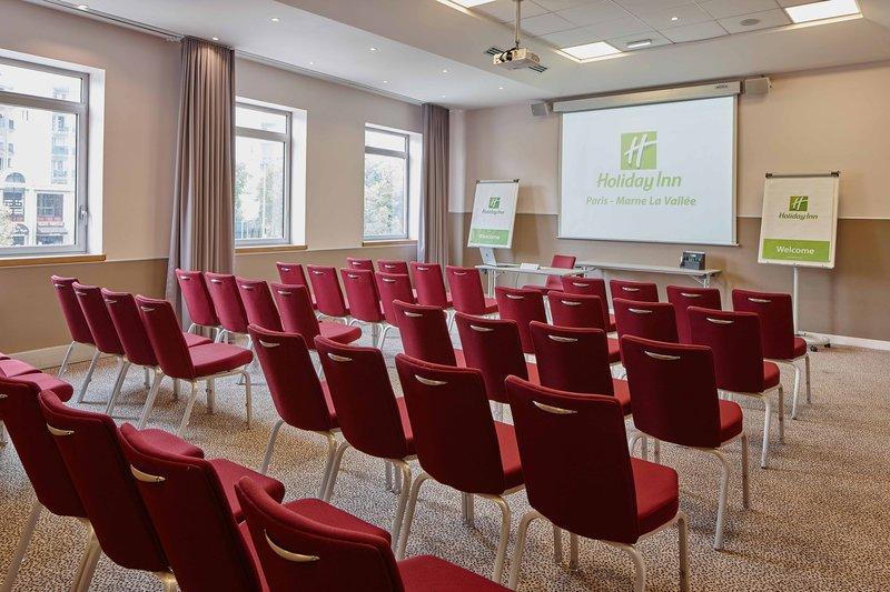 Holiday Inn Paris - Marne La Vallee-Meeting Room - BERLIN<br/>Image from Leonardo