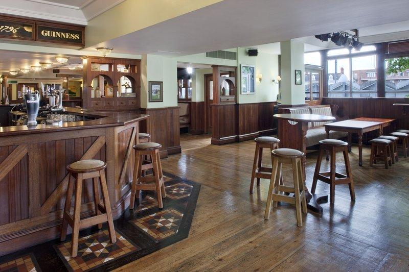 Holiday Inn Cardiff City Centre-Callaghan's Bar<br/>Image from Leonardo