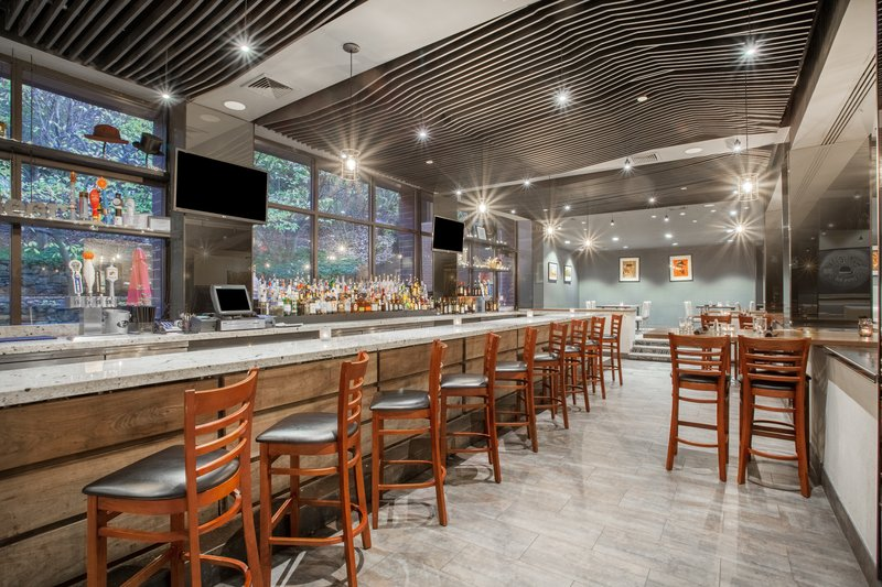 Crowne Plaza Danbury-Restaurant <br/>Image from Leonardo