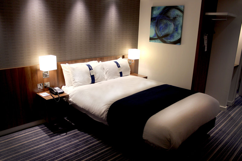 Holiday Inn Express Wakefield-Smart and Comfortable Double Bedroom<br/>Image from Leonardo
