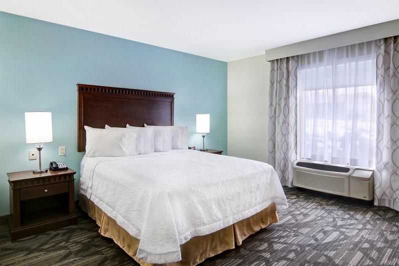 Hampton Inn &amp; Suites by Hilton Saint John-Queen Accessible Bed<br/>Image from Leonardo