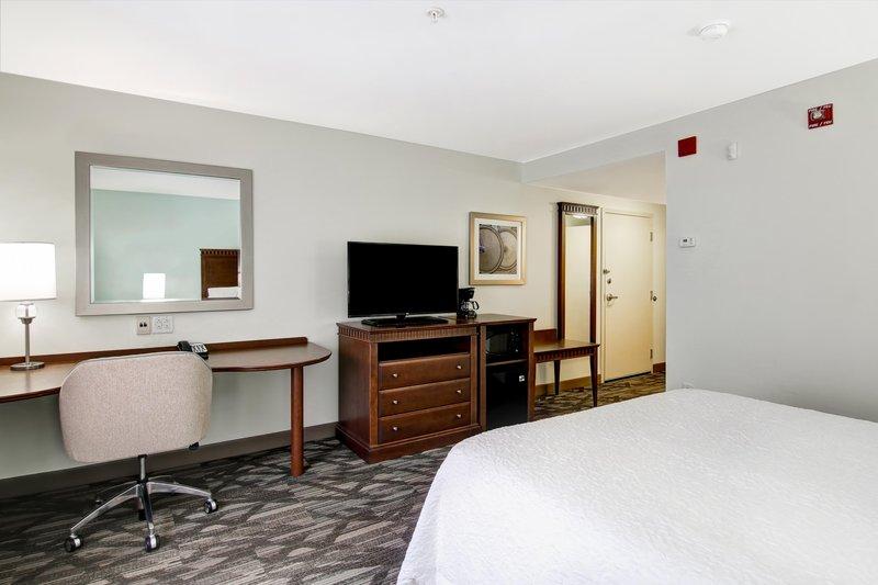 Hampton Inn &amp; Suites by Hilton Saint John-Queen Accessible Mirror<br/>Image from Leonardo