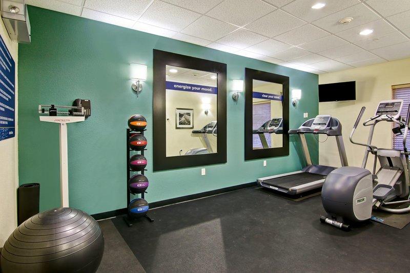 Hampton Inn &amp; Suites by Hilton Saint John-Fitness Center<br/>Image from Leonardo