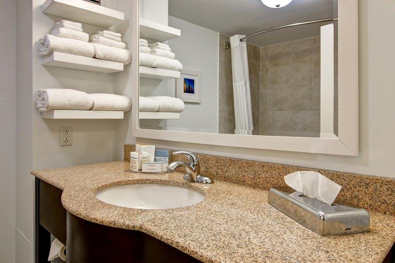 Hampton Inn &amp; Suites by Hilton Saint John-Double Queen Bathroom<br/>Image from Leonardo