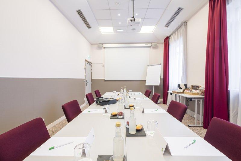Holiday Inn Paris - Marne La Vallee-Meeting Room<br/>Image from Leonardo