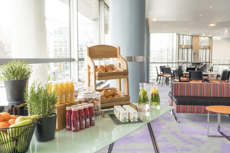 Holiday Inn Paris - Marne La Vallee-Buffet<br/>Image from Leonardo
