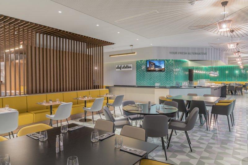 Holiday Inn Paris - Marne La Vallee-Restaurant<br/>Image from Leonardo