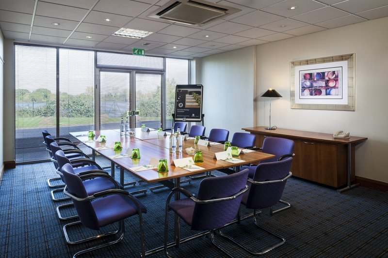 Holiday Inn Basildon-One of our many boardrooms all boasting natural daylight<br/>Image from Leonardo