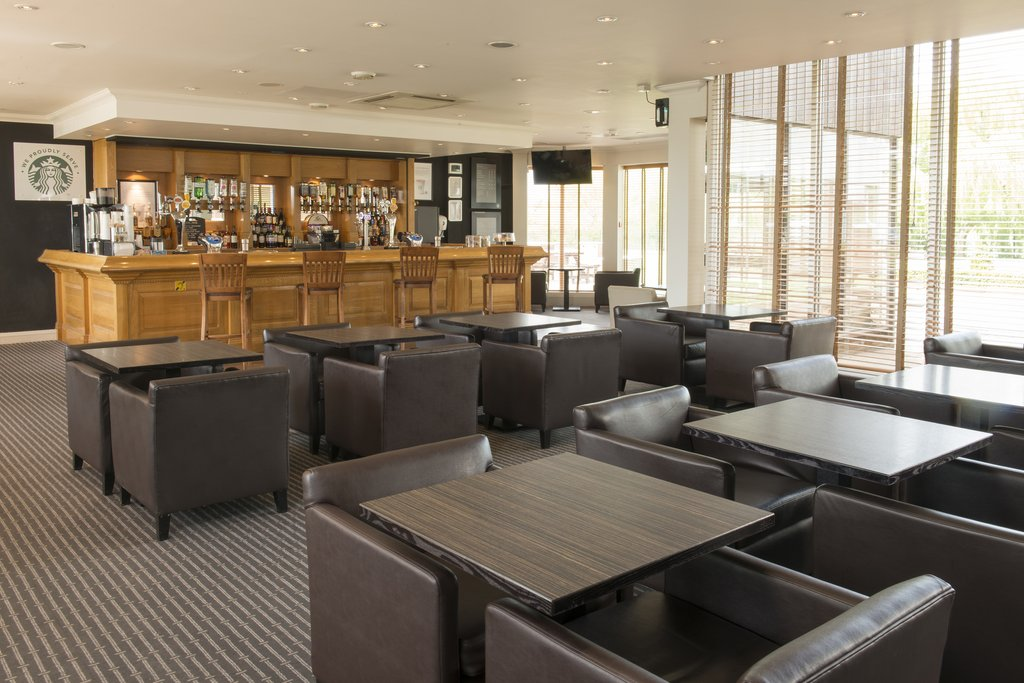 Holiday Inn Basildon-Lobby Lounge open for meals and drinks<br/>Image from Leonardo