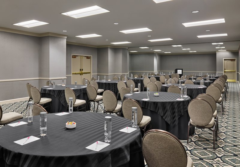 Astor Crowne Plaza French Quarter - The Toulouse Room offers more than 2,000 square feet of space. <br/>Image from Leonardo