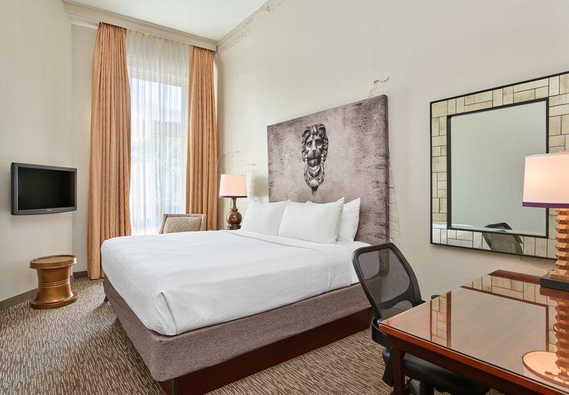 Astor Crowne Plaza French Quarter - Standard King Guestroom <br/>Image from Leonardo