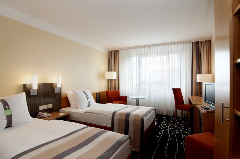 Holiday Inn Stuttgart-Guest Room with separated beds<br/>Image from Leonardo