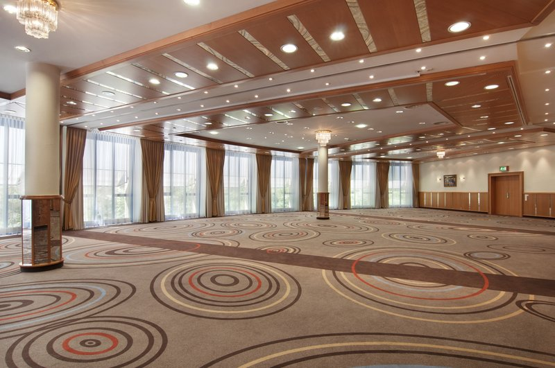 Holiday Inn Stuttgart-Sala Grande for your event with natural Daylight<br/>Image from Leonardo