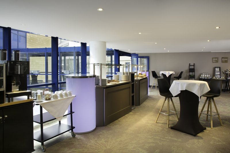 Holiday Inn Stuttgart-Light bites, tea and coffee to keep meeting attendees energised.<br/>Image from Leonardo