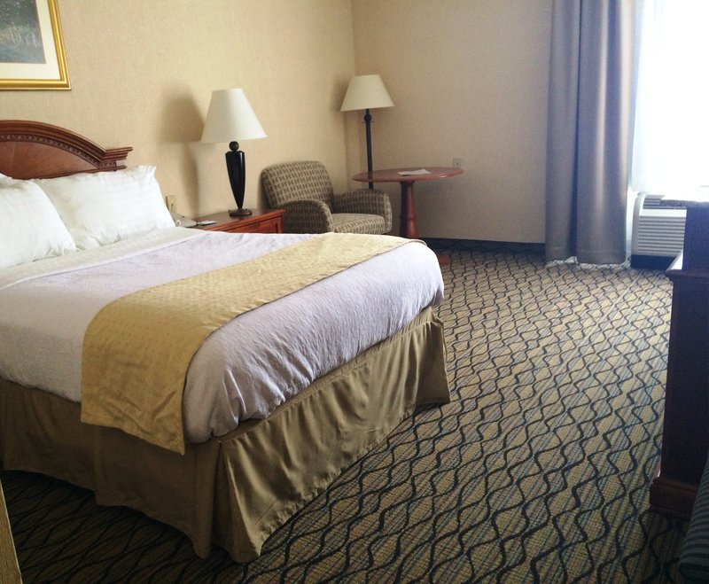 Holiday Inn Utica-Visitors to Adjustors International love the brand new queen beds<br/>Image from Leonardo