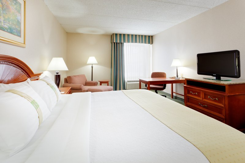 Holiday Inn Utica-Plenty of workspace while visiting Adjustors International nearby<br/>Image from Leonardo