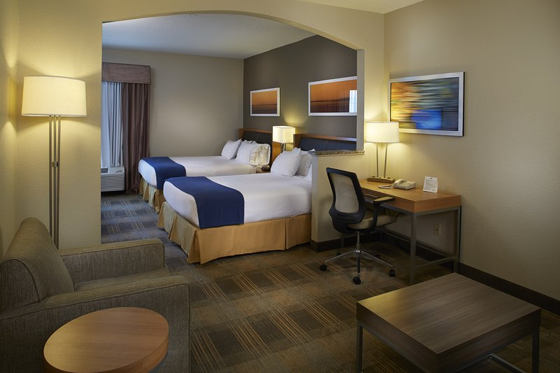Holiday Inn Express & Suites Orangeburg-Two beds<br/>Image from Leonardo