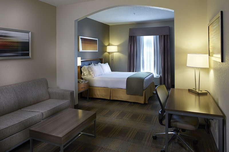 Holiday Inn Express & Suites Orangeburg-Guest Room<br/>Image from Leonardo