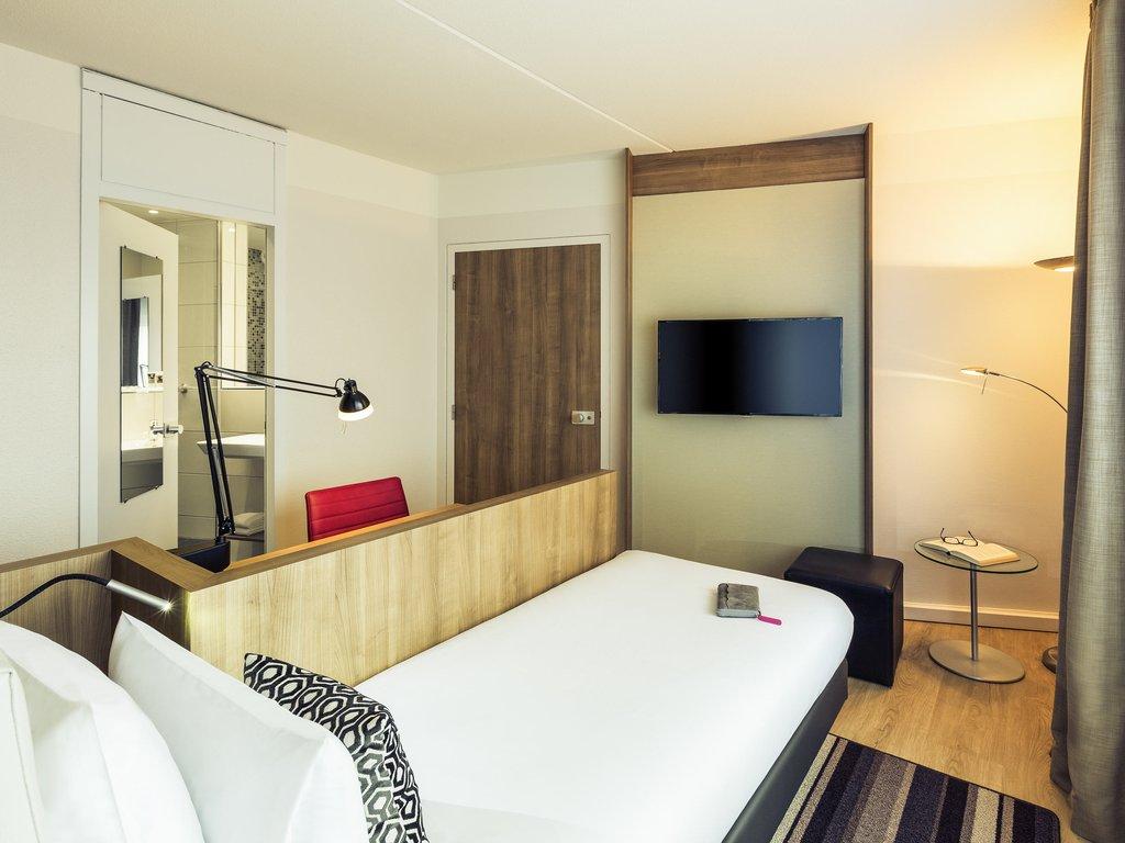 Mercure Hotel Nijmegen Centre-Guest Room<br/>Image from Leonardo