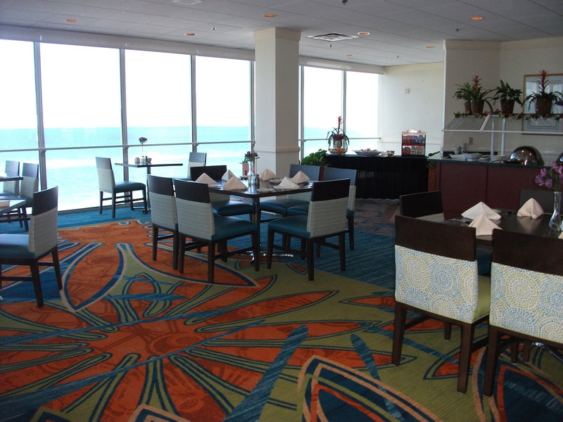 Lido Beach Holiday Inn-Restaurant<br/>Image from Leonardo