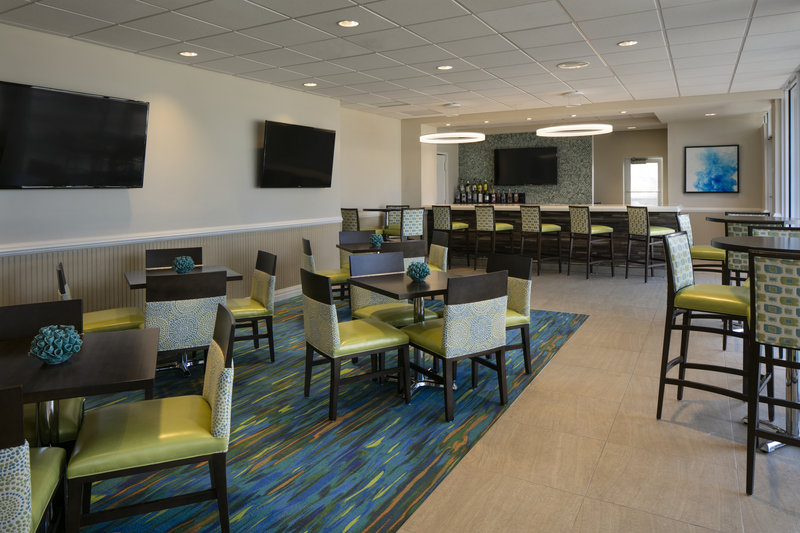 Lido Beach Holiday Inn-Bar and Lounge<br/>Image from Leonardo
