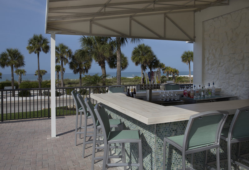 Lido Beach Holiday Inn-Kokonuts Poolside Bar<br/>Image from Leonardo