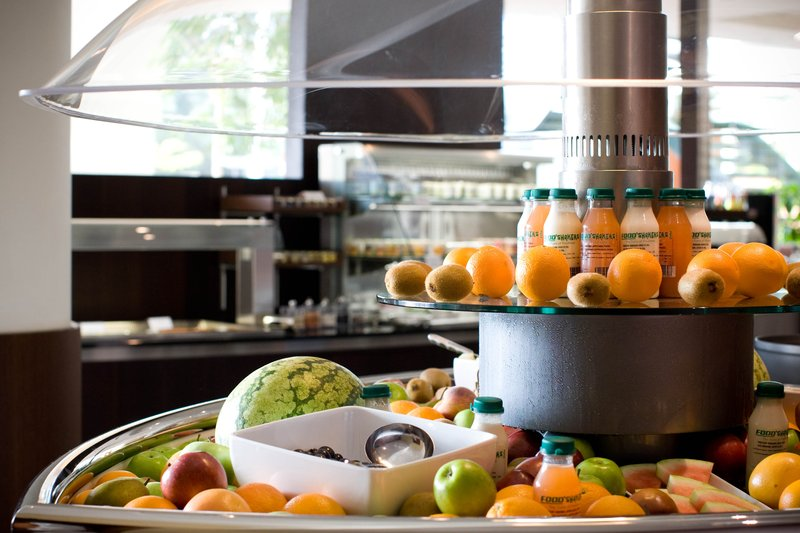 Crowne Plaza Brussels Airport-Buffet<br/>Image from Leonardo