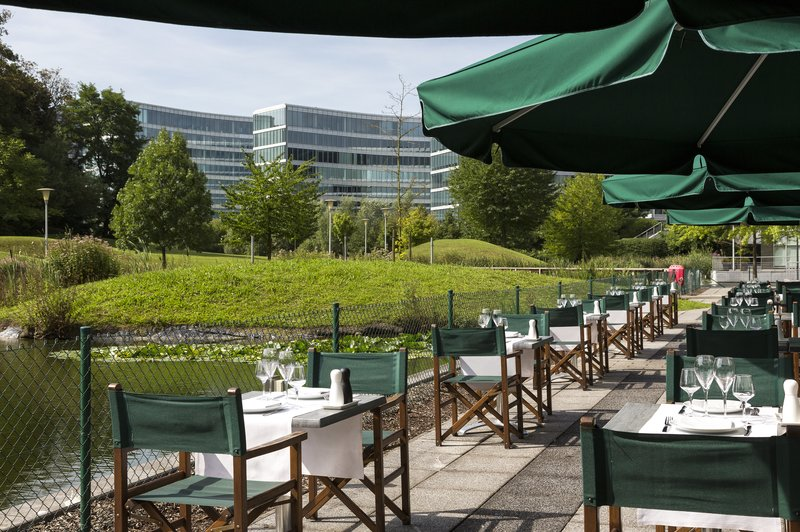 Crowne Plaza Brussels Airport-Sun bathed terrace<br/>Image from Leonardo