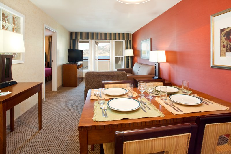Holiday Inn Hotel & Suites Osoyoos-Suite Room<br/>Image from Leonardo