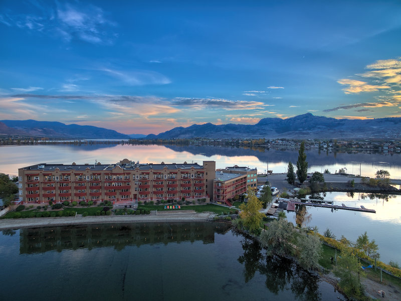 Holiday Inn Hotel & Suites Osoyoos-Scenery / Landscape<br/>Image from Leonardo