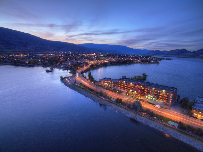 Holiday Inn Hotel & Suites Osoyoos-Highway 3 Southside<br/>Image from Leonardo