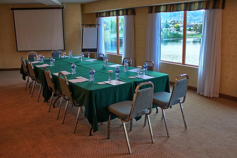 Holiday Inn Hotel & Suites Osoyoos-Meeting Room<br/>Image from Leonardo