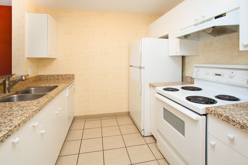 Holiday Inn Hotel & Suites Osoyoos-Suite<br/>Image from Leonardo