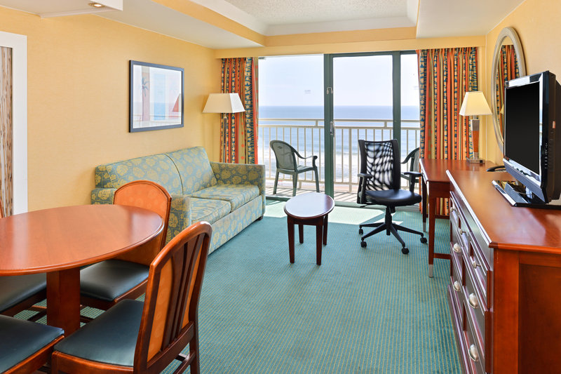 Holiday Inn Express And Suites Virginia Beach Oceanfront-Suite<br/>Image from Leonardo
