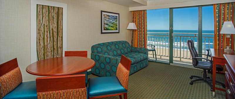 Holiday Inn Express And Suites Virginia Beach Oceanfront-Guest Room<br/>Image from Leonardo