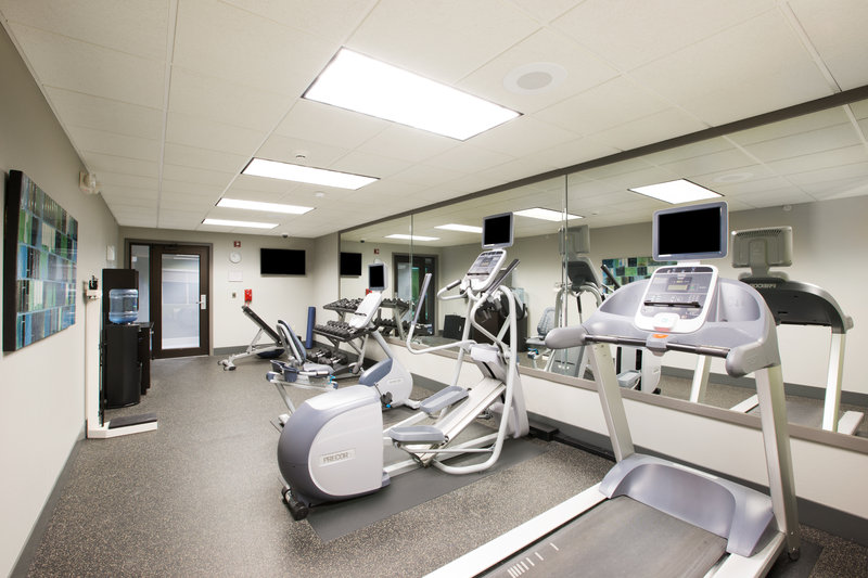Holiday Inn Express Hastings-Precor cardio equipment and personal viewing screens FREE for you!<br/>Image from Leonardo