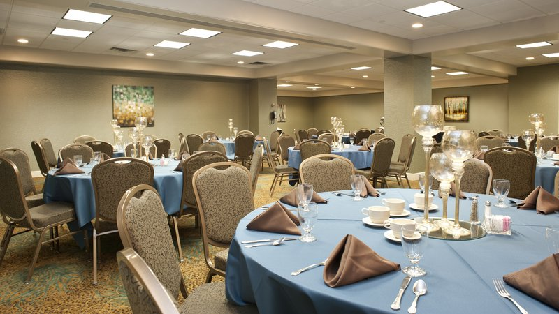 Holiday Inn Rock Island - Quad Cities-Dinner style seating in the Retreat Room<br/>Image from Leonardo