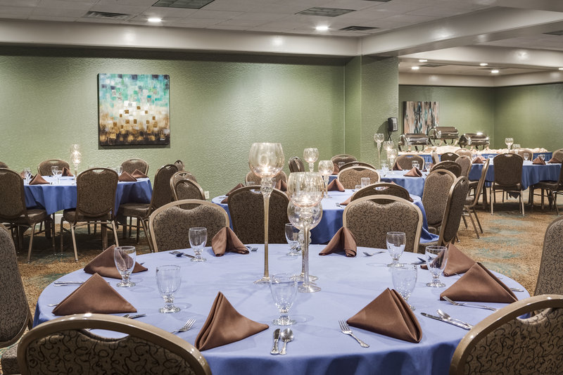 Holiday Inn Rock Island - Quad Cities-Banquet style seating in the Retreat Room<br/>Image from Leonardo