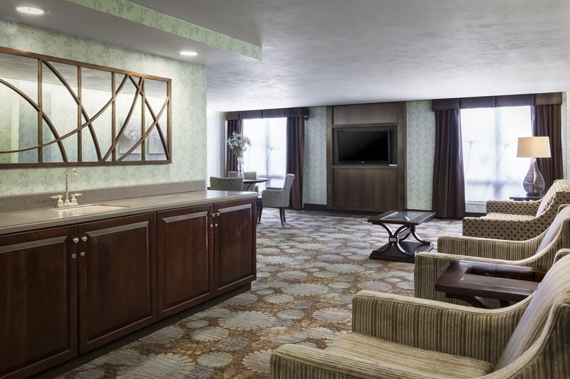Holiday Inn Rock Island - Quad Cities-Relax with family in our Guest Lounge located on the 7th floor<br/>Image from Leonardo