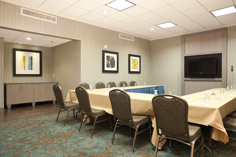 Holiday Inn Rock Island - Quad Cities-U-Shape seating in Salon 1<br/>Image from Leonardo