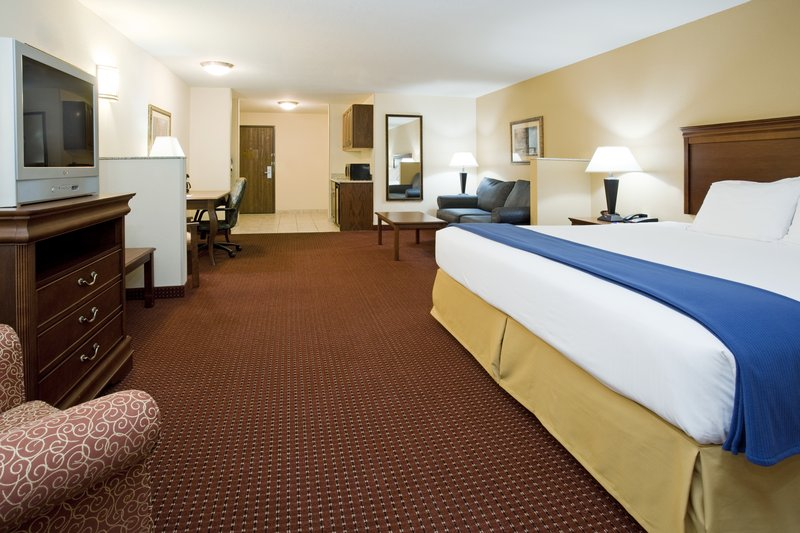 Holiday Inn Express & Suites Salt Lake City - Airport East-King Suite Guest Room at the Salt Lake City Airport Hotel<br/>Image from Leonardo
