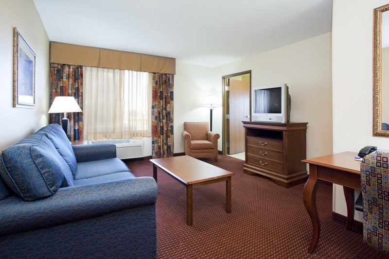 Holiday Inn Express & Suites Salt Lake City - Airport East-Two room king suite in our Salt Lake City Hotel<br/>Image from Leonardo