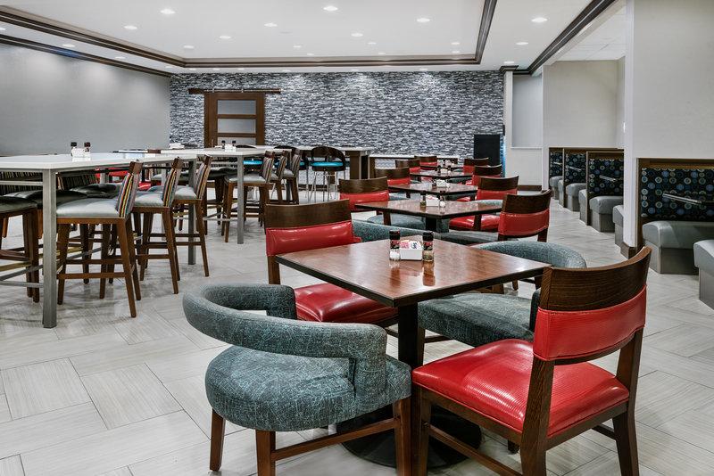 Holiday Inn Hotel & Suites College Station - Aggieland-Restaurant<br/>Image from Leonardo