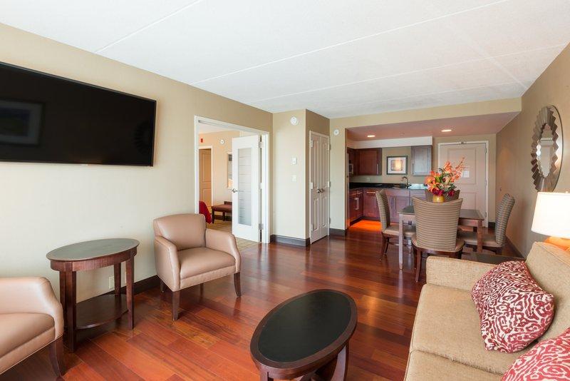 Crowne Plaza Boston - Woburn-One King Suite<br/>Image from Leonardo