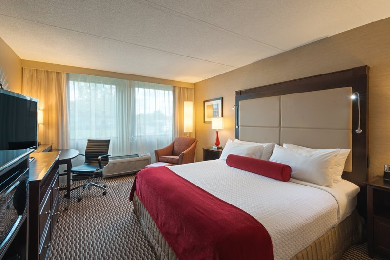 Crowne Plaza Boston - Woburn-King Accessible Guest Room<br/>Image from Leonardo