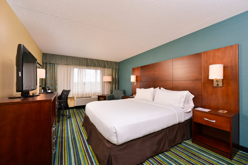 Holiday Inn Express Flagstaff-Queen Bed Guestroom<br/>Image from Leonardo