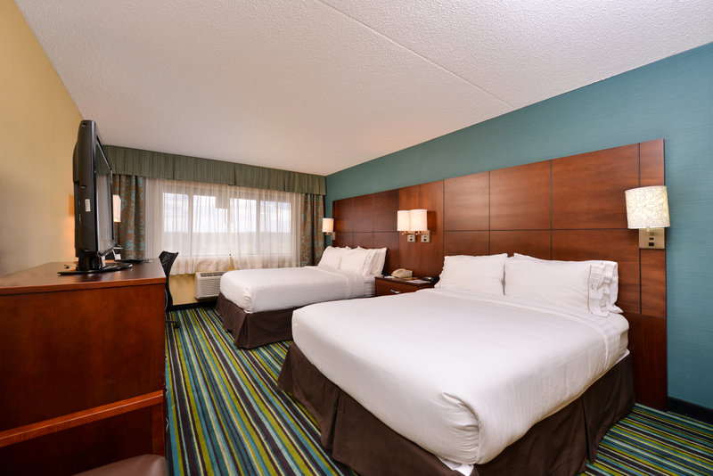 Holiday Inn Express Flagstaff-2 Queen Bed Guestroom<br/>Image from Leonardo